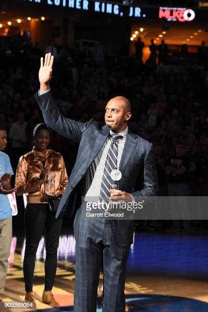 Honoree Penny Hardaway receives the13th annual national civil rights museum sports legacy award during halftime of the game between the Los Angeles...
