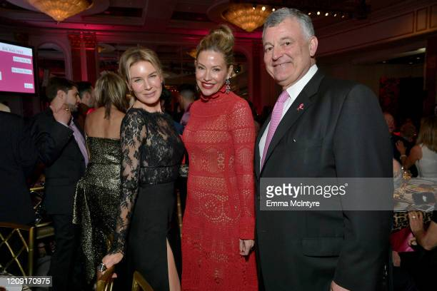 Honoree Renée Zellweger Quinn Ezralow and William P Lauder attend WCRF's An Unforgettable Evening at Beverly Wilshire A Four Seasons Hotel on...