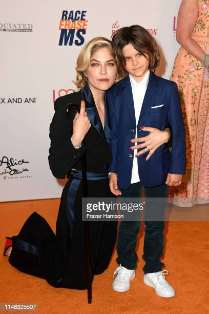 Honoree Selma Blair and Arthur Saint Bleick attend the 26th annual Race to Erase MS on May 10, 2019 in Beverly Hills, California.