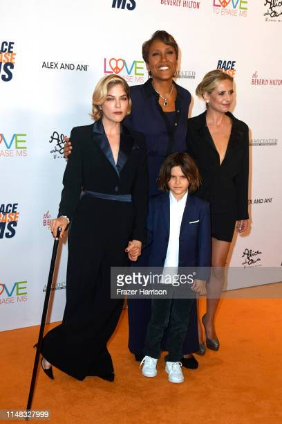 Honoree Selma Blair, Robin Roberts, Arthur Saint Bleick and Sarah Michelle Gellar attend the 26th annual Race to Erase MS on May 10, 2019 in Beverly...