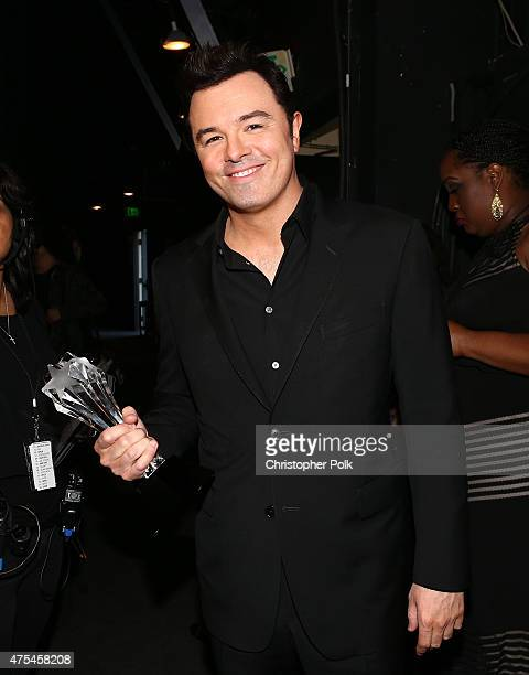 Honoree Seth MacFarlane recipient of the LOUIS XIII Genius Award poses backstage at the 5th Annual Critics' Choice Television Awards at The Beverly...