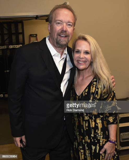 Honoree songwriter Don Schlitz and Mary Chapin Carpenter attend the Country Music Hall Of Fame And Museum Hosts Medallion Ceremony To Celebrate 2017...