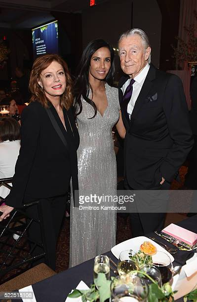 Honoree Susan Sarandon EFA cofounder and host Padma Lakshmi and director Joel Schumacher attend the 8th Annual Blossom Ball benefiting the...