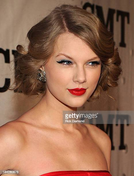 Honoree Taylor Swift attends the 2011 CMT Artists of the year celebration at the Bridgestone Arena on November 29 2011 in Nashville Tennessee