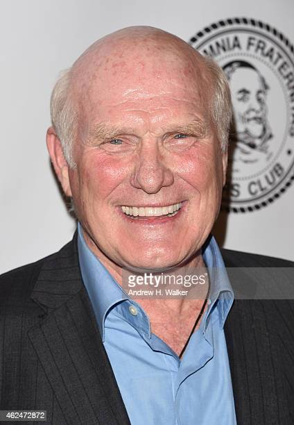 Honoree Terry Bradshaw attends the Friars Club Roast of Terry Bradshaw during the ESPN Super Bowl Roast at the Arizona Biltmore on January 29 2015 in...