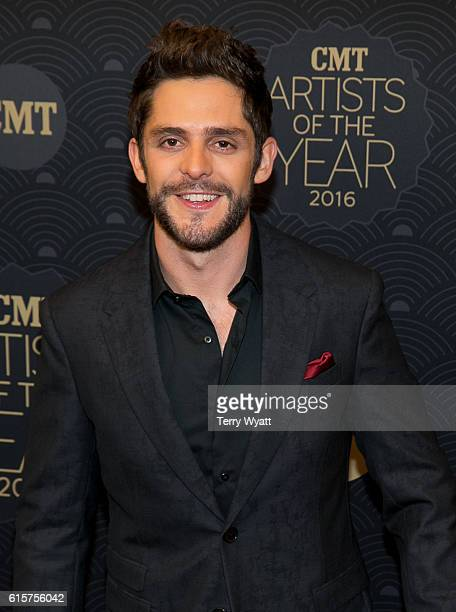Honoree Thomas Rhett arrives on the red carpet at CMT Artists of the Year 2016 at Schermerhorn Symphony Center on October 19 2016 in Nashville...