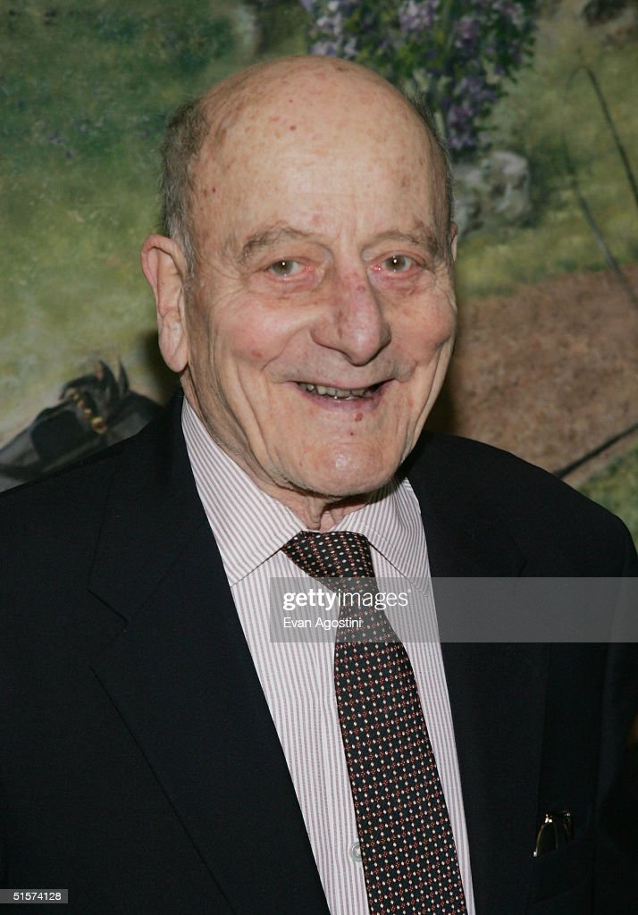 Honoree Vincent Sardi Jr. attends the 2004 Tony Honors For Excellence In Theatre luncheon at Tavern On The Green October 26, 2004 in New York City.