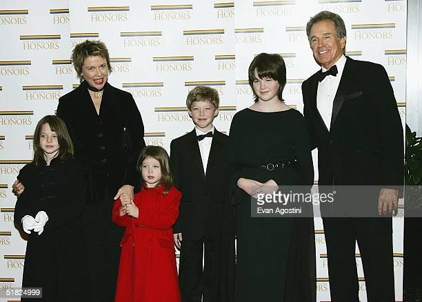 Honoree Warren Beatty poses with wife Annette Bening and children Isabel Ella Benjamin and Kathlyn at the 27th Annual Kennedy Center Honors at US...