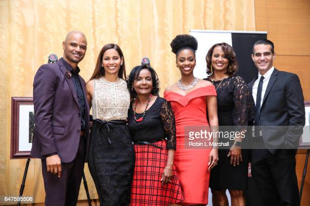 Honorees Dondre Whitfield Salli Richardson Whitfield Teyonah Parris Donna Lowry Will Areu and BFWN Founder Sheryl Gripper attend the 2017 Black Women...