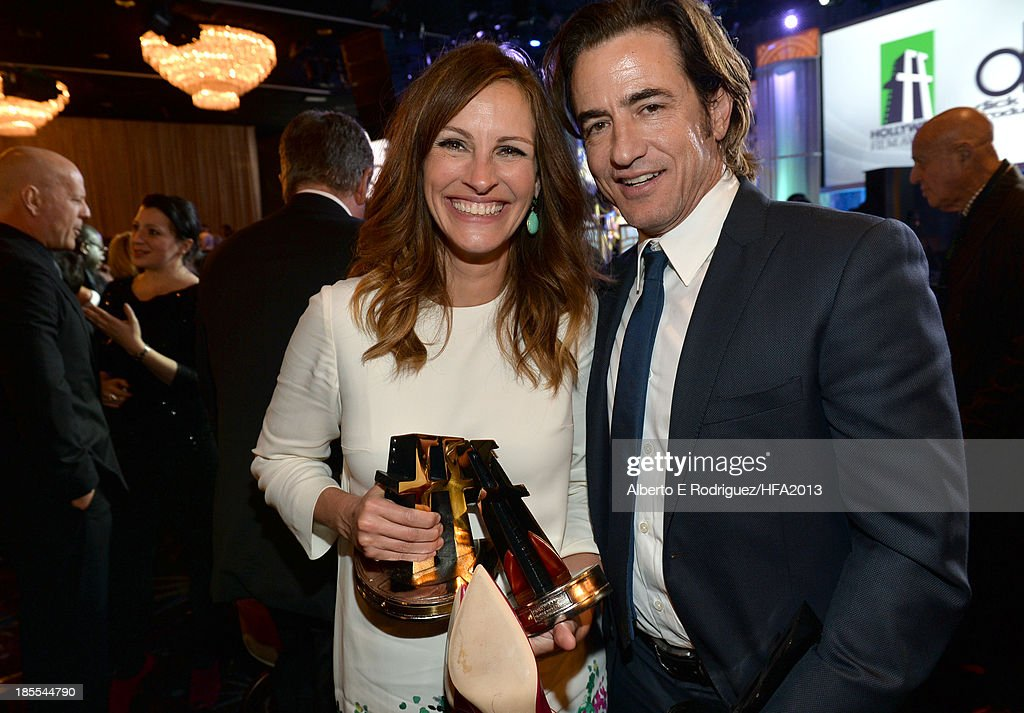 Honorees Julia Roberts and Dermot Mulroney pose during the 17th annual Hollywood Film Awards at The Beverly Hilton Hotel on October 21, 2013 in Beverly Hills, California.