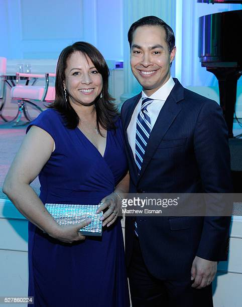 Honorees Library Media Specialist at PS1x Marie Belle Vargas and Secretary US Department of Housing and Urban Development Julian Castro attend the...