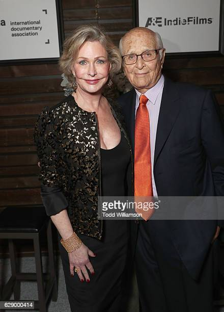Honorees Lyn Lear and Norman Lear attend the 32nd Annual IDA Documentary Awards at Paramount Studios on December 9 2016 in Hollywood California