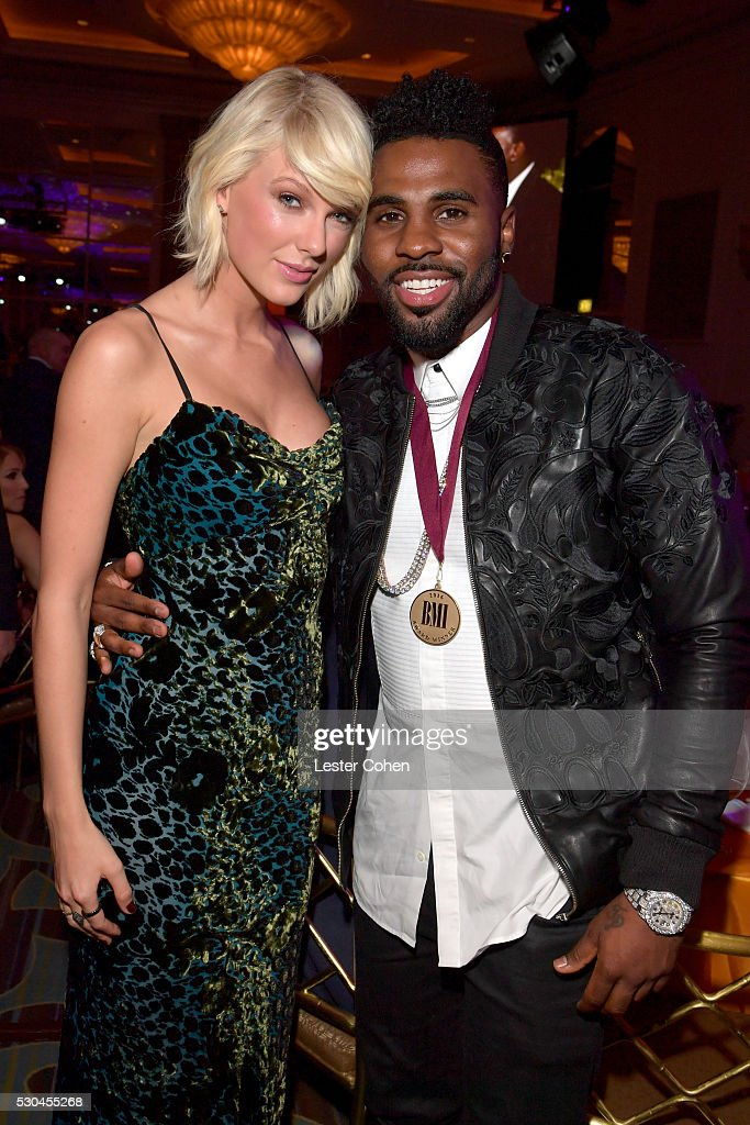 Honorees Taylor Swift (L) and Jason Derulo attend The 64th Annual BMI Pop Awards, honoring Taylor Swift and songwriting duo Mann & Weil, at the Beverly Wilshire Four Seasons Hotel on May 10, 2016 in Beverly Hills, California.