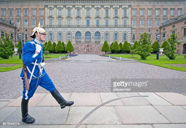 honour guard, royal palace, stockholm, sweden - boots rifle helmet stock pictures, royalty-free photos & images