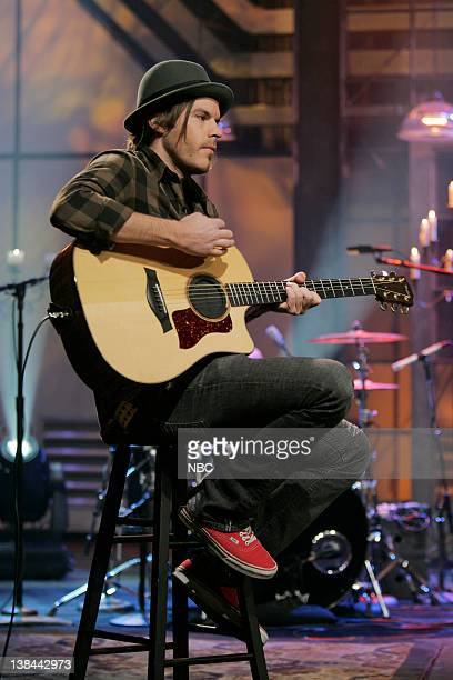 LENO Hoobastank Air Date Episode 3699 Pictured Musical guests Hoobastank perform on January 27 2009