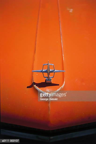 hood ornament - hood ornament stock pictures, royalty-free photos & images