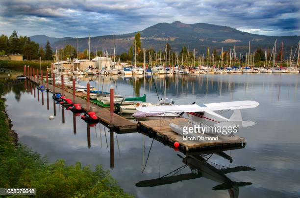 hood river harbor - hood river stock pictures, royalty-free photos & images