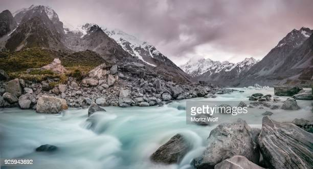 hooker river, hooker valley, rear mount cook, mount cook national park, southern alps, canterbury region, southland, new zealand - international landmark stock pictures, royalty-free photos & images