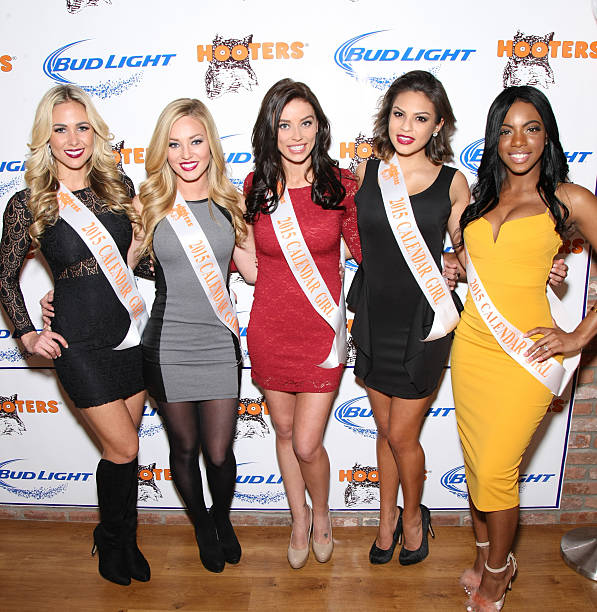 January Calendar Girl : Photos et images de hooters manhattan vip press party