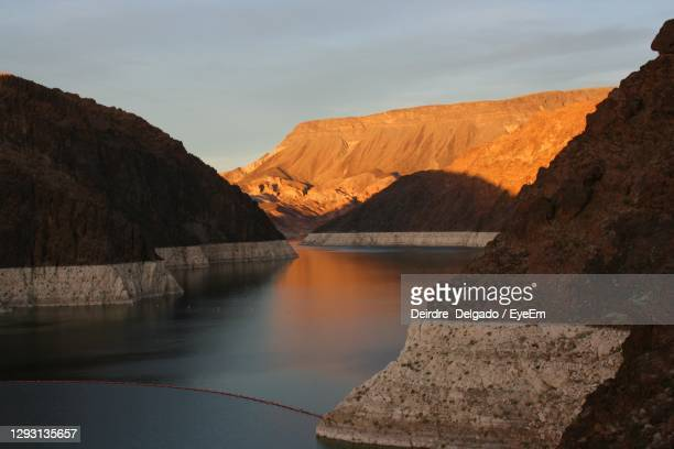 hoover dam.....nevada and arizona border - nevada stock pictures, royalty-free photos & images