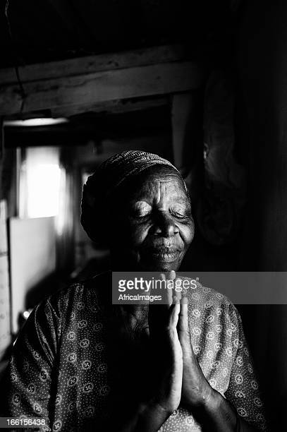 hope - black people praying stock pictures, royalty-free photos & images