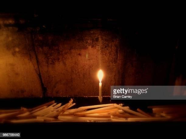 hope - candle of hope imagens e fotografias de stock