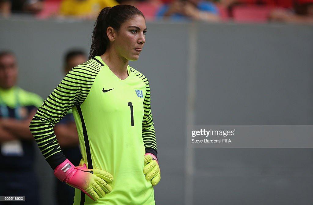 United States v Sweden Quarter Final: Women's Football - Olympics: Day 7 : Nachrichtenfoto