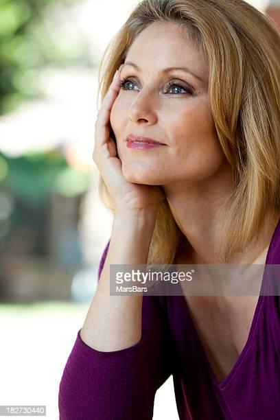 Zuversichtlich schöne Reife Frau