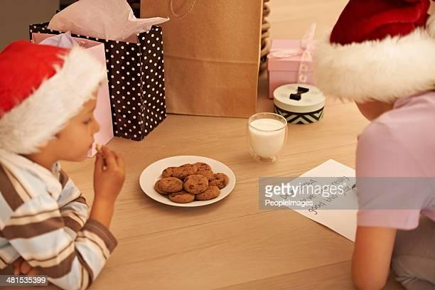 Espera de Santa le como los cookies.