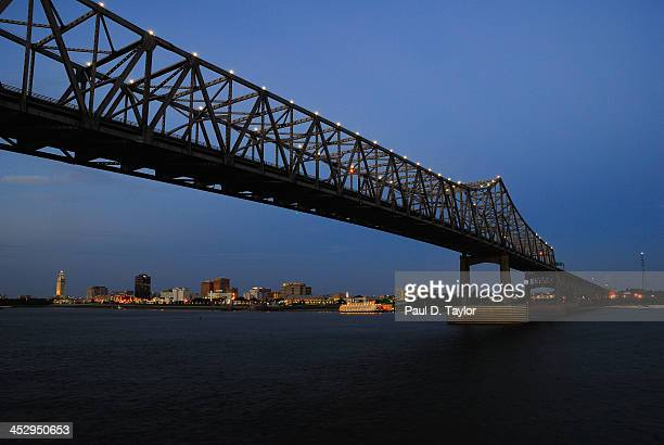 horace wilkinson bridge at dusk - baton rouge stock pictures, royalty-free photos & images