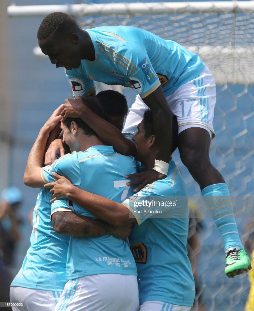 Sporting Cristal v Inti Gas - Copa Inca 2014