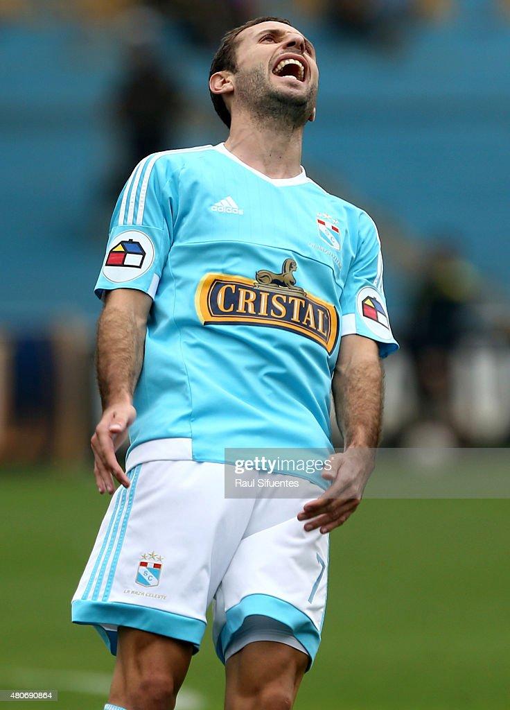 Sporting Cristal v Cesar Vallejo - Torneo Apertura 2015