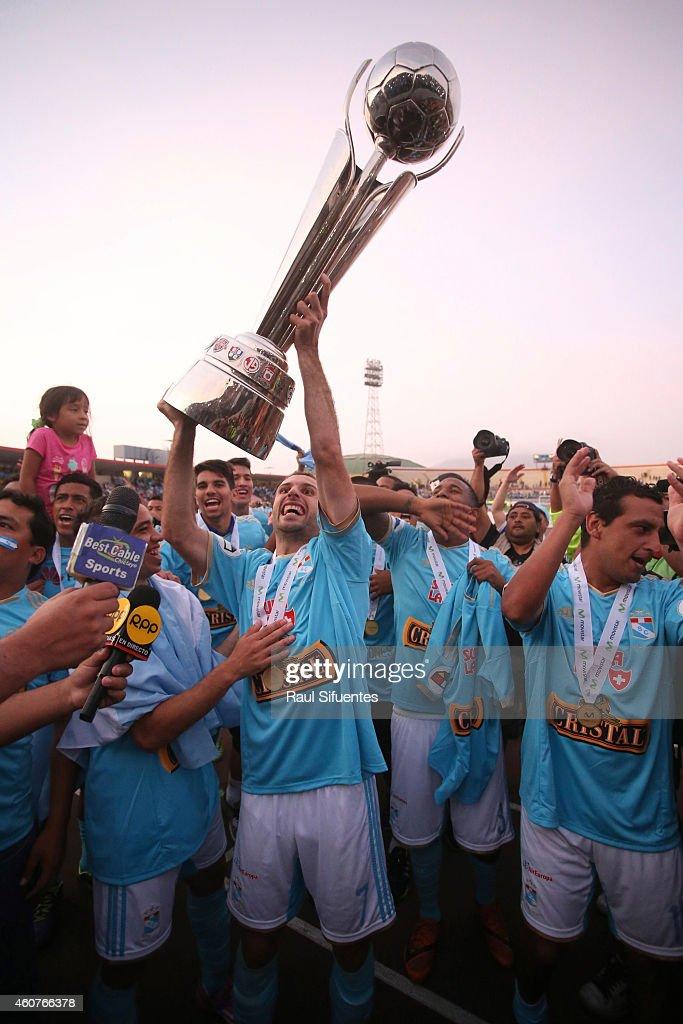 Sporting Cristal v Juan Aurich - Torneo Descentralizado 2014
