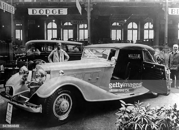 Horch Zwölfzylinder mit 120 PS auf derAutomobilausstellung in Paris Oktober 1931
