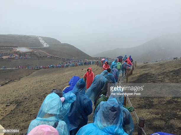 Hordes of tourists queue to go to the Lake of Heaven in the crater at the top of Changbaishan a mountain on the Chinese border with North Korea The...