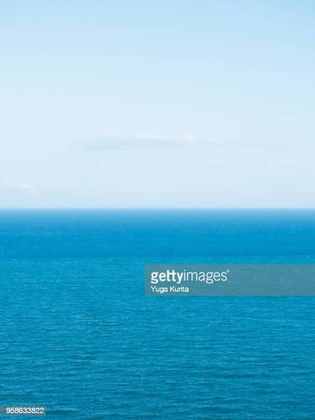 horizon over the pacific ocean - horizon over water stock pictures, royalty-free photos & images