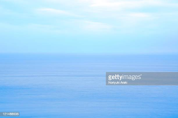 horizon - horizon over water stock pictures, royalty-free photos & images