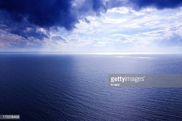 horizon - dark blue stock pictures, royalty-free photos & images