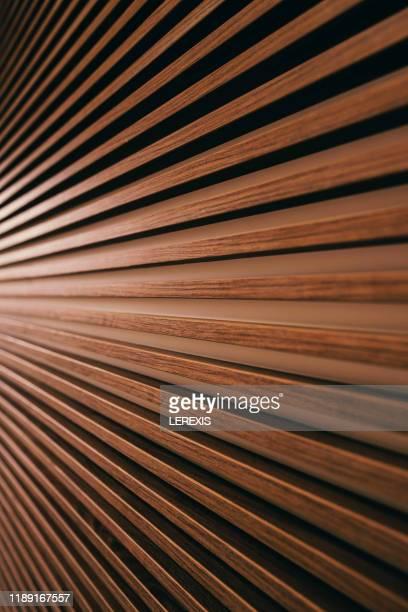 horizontal slats mounted on a wall - brown imagens e fotografias de stock