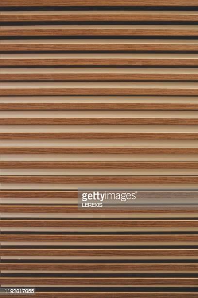 horizontal slats mounted on a wall - steuerpult stock-fotos und bilder