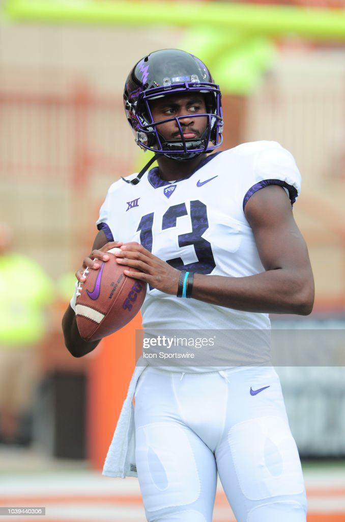 horned-frog-qb-justin-rogers-during-warm