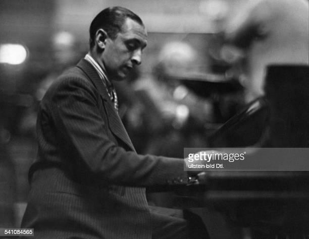 Horowitz, Vladimir *01.10..1989+Pianist, USA - Portrait am Fluegel- undatiert Foto: Freiherr Wolff von Gudenberg