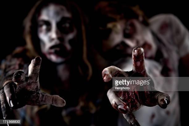 zombie terror serie - zombie fotografías e imágenes de stock