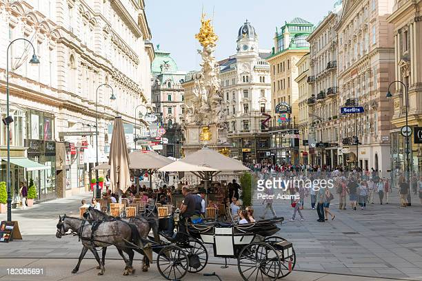 horse & carriage on graben street, vienna, austria - vienna austria stock pictures, royalty-free photos & images