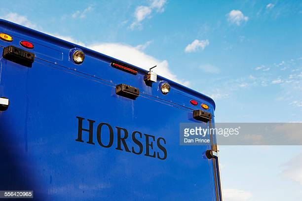 Horse carrier, horse racing