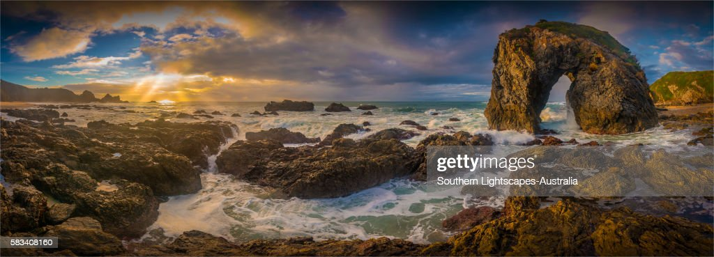 Horse head rock, Bermagui, southern coastline of New South Wales, Australia. : Stock Photo