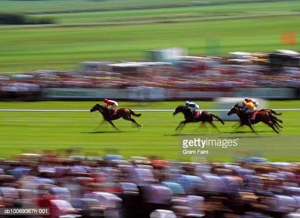 Horse race, blurred motion