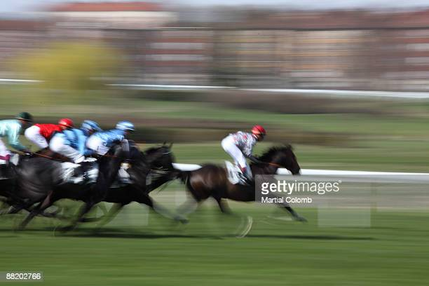 horse race - horse racecourse stock photos and pictures