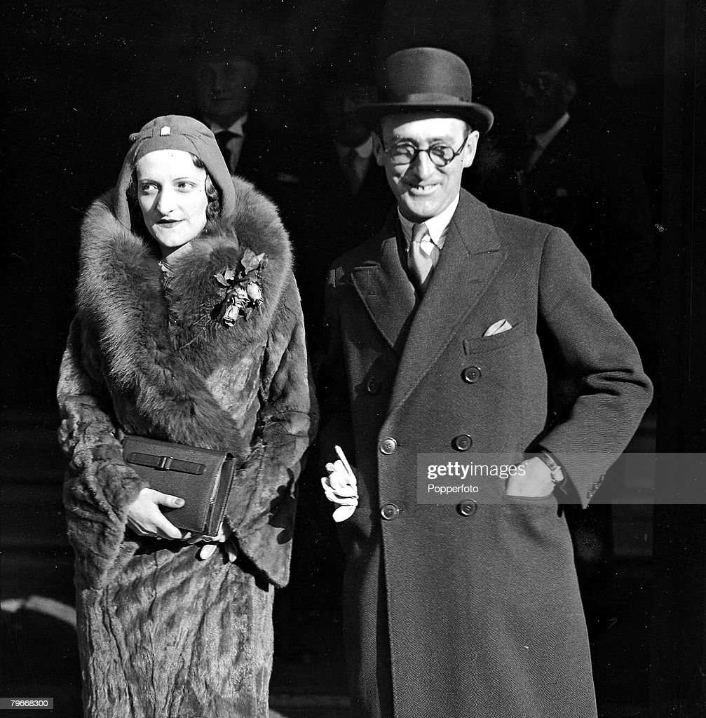 Horse Racing, 5th November, 1930, Racehorse trainer Norman Claude Scobie of Whistbury, Salisbury with his wife Gladys Germaine Smith after their wedding in London : News Photo