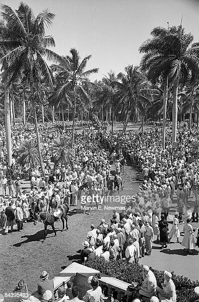 Aerial view of horses and crowd at Hialeah Park Race Track Hialeah FL 2/27/1954 CREDIT Marvin E Newman